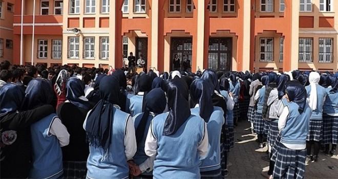 İzmir'de imam hatip ortaokuluna kayıt yaptıran her öğrenciye, 250 lira burs verilecek!