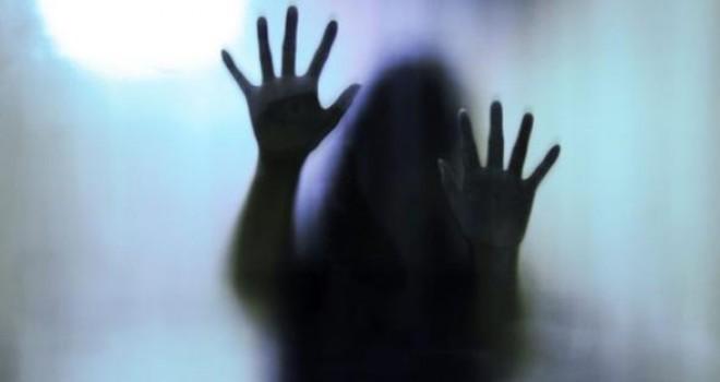 Sevgilisinin yanından kaçırıp defalarca tecavüz ettiler! Sahte polislere ceza yağdı