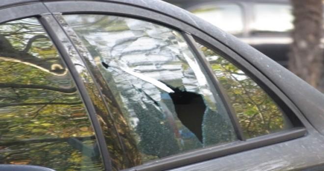 Kadıköy'de bir kişi lüks otomobilde ölü bulundu