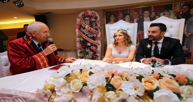 """Yenimahalleli 70 çift 14 Şubat'ta """"Evet"""" dedi"""