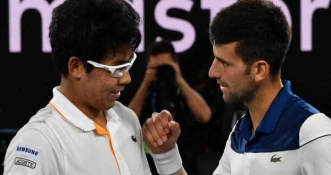 Chung, Djokovic'i mağlup ederek Avustralya Açık'ta çeyrek finale yükselen ilk Güney Koreli oldu