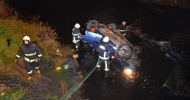 Hızını alamayan araç dereye uçtu: 1 ölü, 1 ağır yaralı