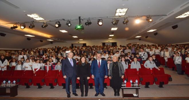BAŞKAN TÜRKYILMAZ'DAN BİN 280 ÖĞRENCİYE ANITKABİR SÜRPRİZİ