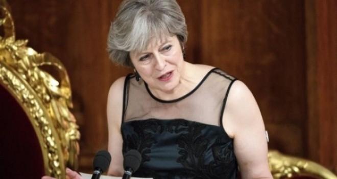 İngiltere Başbakanı May'den Rusya'ya seçimlere müdahale ve siber casusluk suçlaması