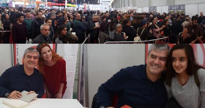 Adana'da Yılmaz Özdil izdihamı