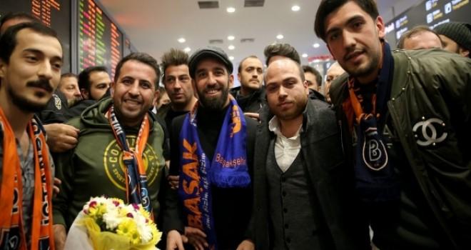 Arda Turan, İstanbul'a geldi