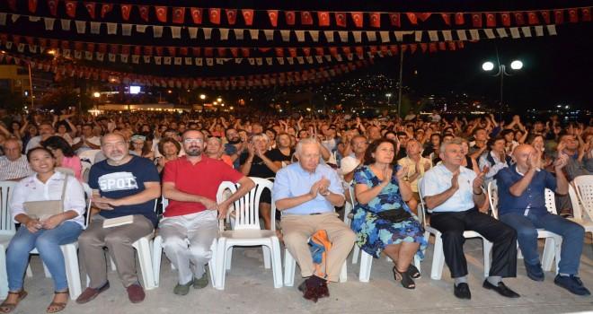 Kuşadası Belediyesi Oda Orkestrası ve İncesaz'dan Muhteşem 7 Eylül Konseri