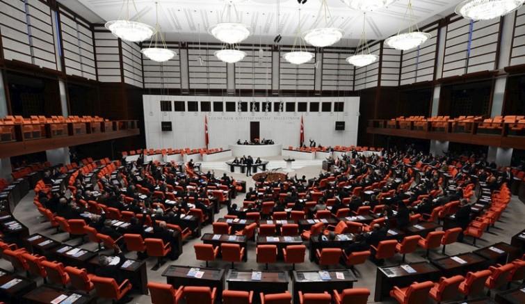 'Meclis'te AKP mahkemesi kuruluyor'