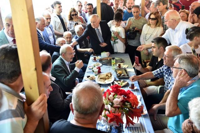 Cumhuriyet Halk Partisi Genel Başkanı Kemal Kılıçdaroğlu, İstanbul Şile Kabakoz Köyü Manav Türkleri ile buluştu.