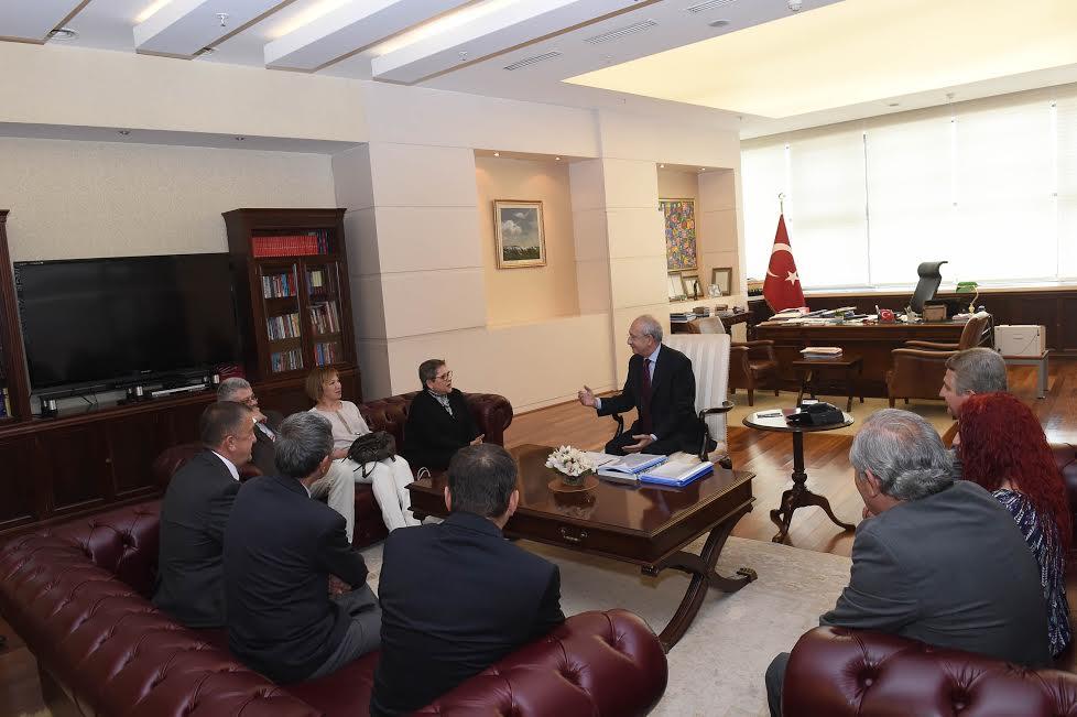 Kılıçdaroğlu Dil Derneği Yöneticilerini Ziyaret Etti