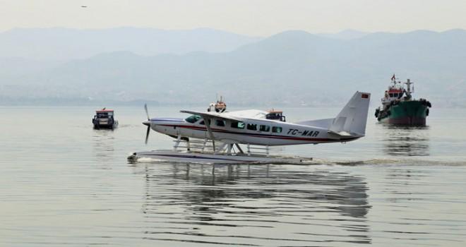 Deniz uçağı havalandı, körfezi kirleten 10 gemiye ceza kesildi