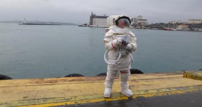 O astronot İstanbul sokaklarına çıktı