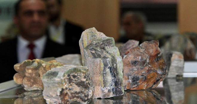 Colorado'da çıkan rainbow taşı, Erzurum'da da bulundu