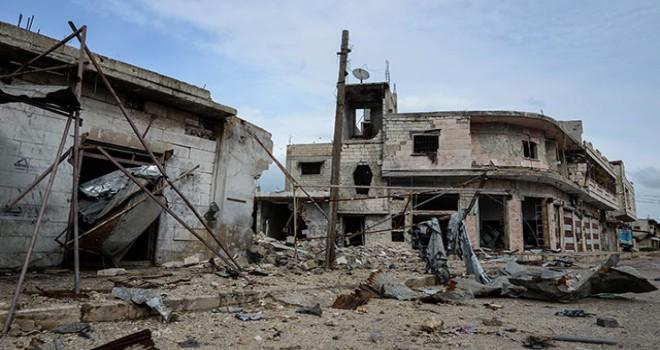 Bombardıman, İdlib'i viraneye çevirdi