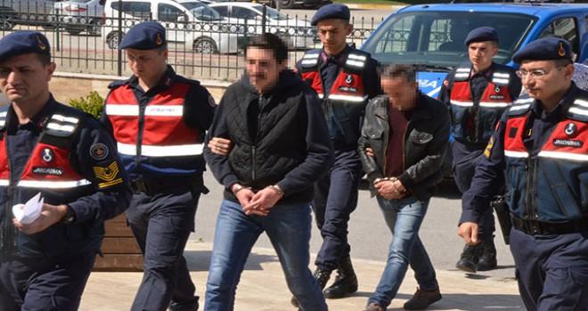 Dolandırıcılık çetesi çökertildi, çete lideri ATM'den parayı çekerken yakalandı