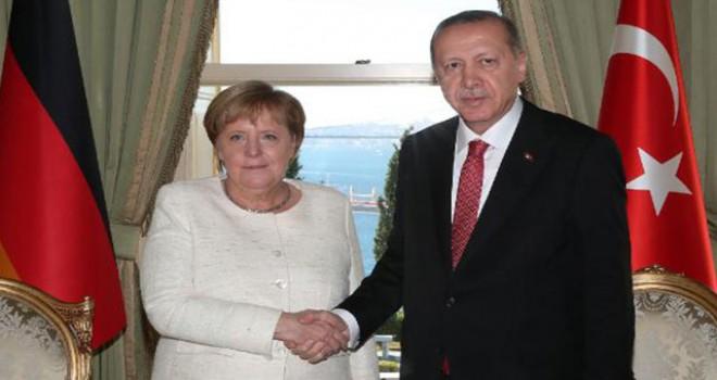 Cumhurbaşkanı Erdoğan, Merkel'le telefonda görüştü