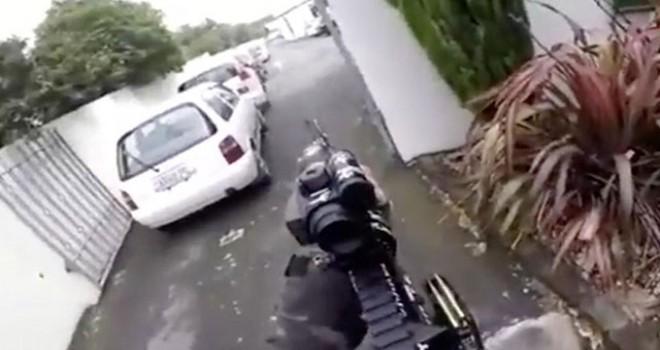 Yeni Zelanda Başbakanı: Saldırganın 5 silahı vardı