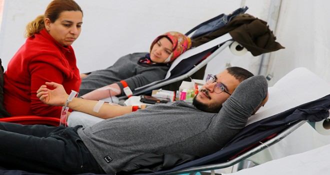 Soğuk hava nedeniyle azalan kan bağışı için seferberlik ilan edildi