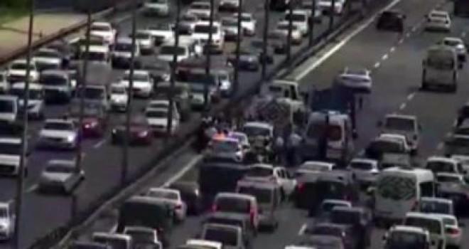 FSM'de zincirleme kaza trafik kilit!