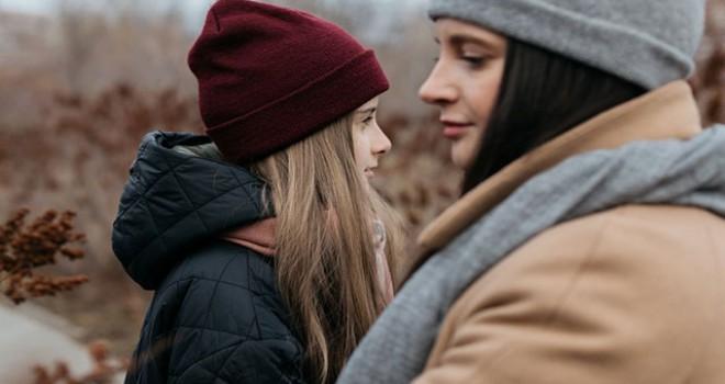 'Aşırı baskıcı ve koruyucu anne çocuk ilişkisi sağlıklı değil'