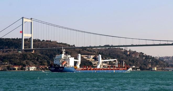 Suriye kargo gemisi İstanbul Boğazı'ndan geçti