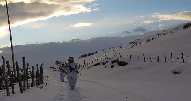 Trabzon kırsalındaki PKK sığınağında kar suyu taşıma sistemi
