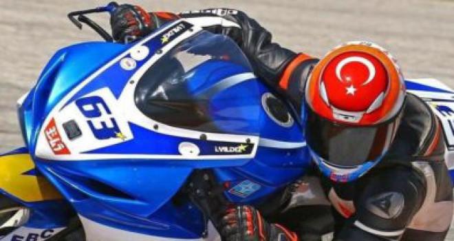 Şampiyon motorcu kazada öldü