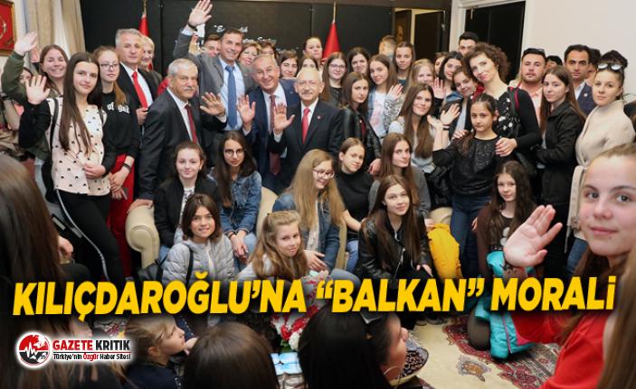 Balkan çocuklarından Kılıçdaroğlu'na geçmiş olsun ziyareti