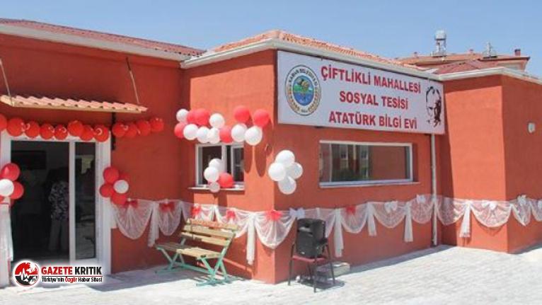 AK Partili başkan Atatürk Bilgi Evi'ni kapattı !