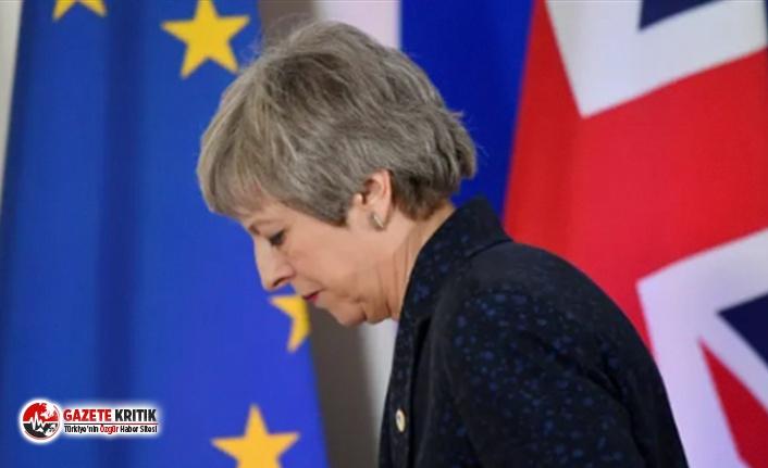 Britanya Başbakanı Theresa May istifa edeceğini açıkladı
