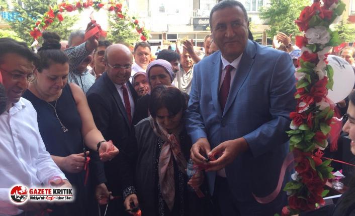 Cumhuriyet Halk Partisi Aksaray Ortaköy İlçe Başkanlığının yeni hizmet binasının açılışı yapıldı...