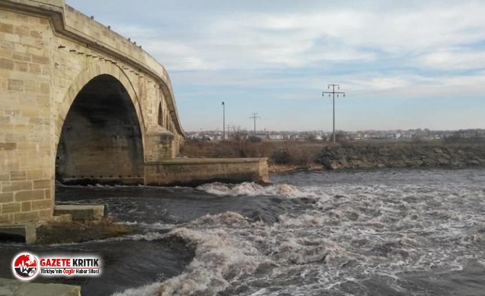 Ergene Nehri zehir saçmaya devam ediyor: 2 bin 500'den fazla fabrika kimyasal atıklarını arıtmadan nehre döküyor