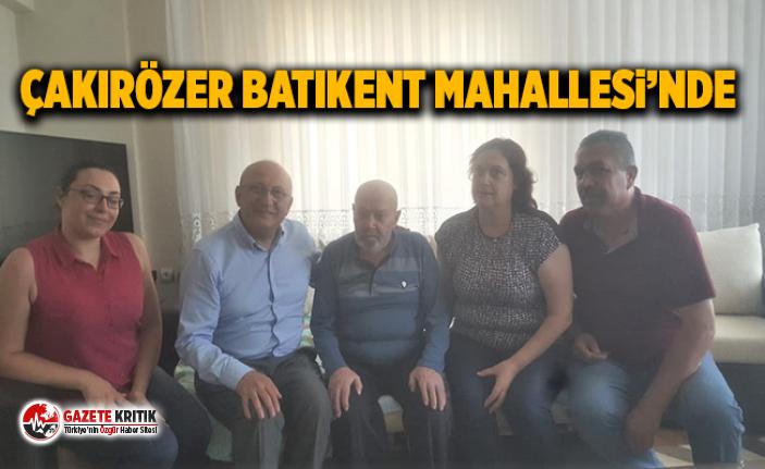 Utku Çakırözer 86 yaşındaki Parkinson hastası Osman Çınar ve ailesini evlerinde ziyaret etti