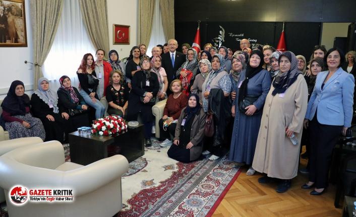 Eskişehirli Kadınlar Kılıçdaroğlu'nu ziyaret etti