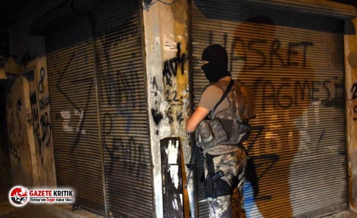 Organize suç örgütüne yönelik Adana merkezli operasyon: Gözaltılar arasında cezaevi müdürü ve polis de var © AA / TÜRKİYE 07:14 09.10.2019