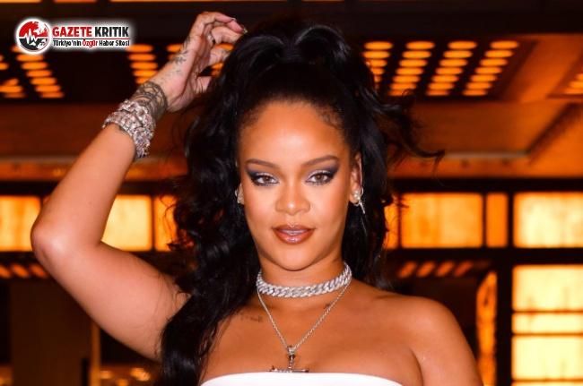 Rihanna'dan Nefes Kesen Poz