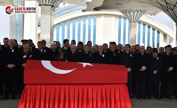 CHP LİDERİ KILIÇDAROĞLU, ŞEHİT ASTSUBAY YILDIRIM'IN CENAZE TÖRENİNE KATILDI