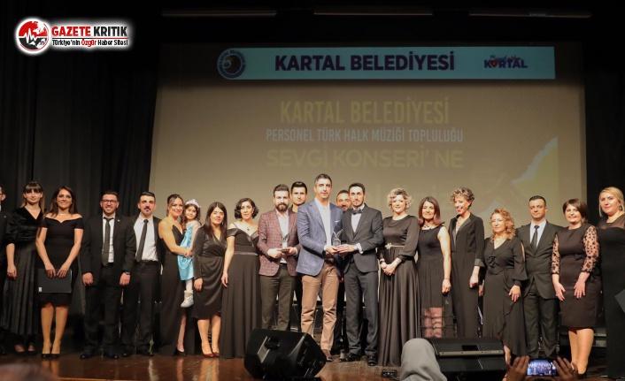 Kartal Belediyesi Personeli Türkülerini Sevgi İçin Söyledi