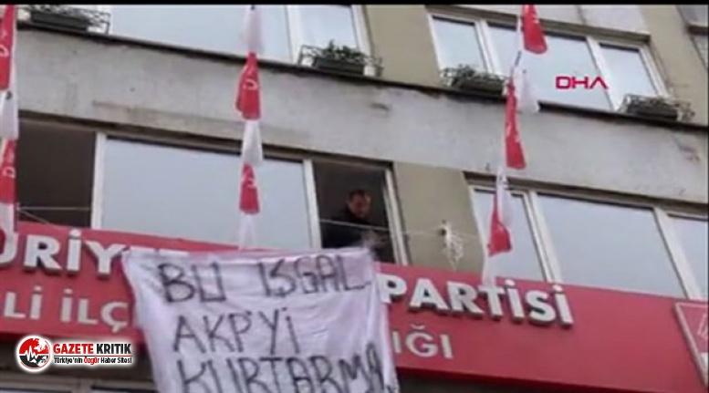 """CHP Şişli ilçe binasında eylem yapan 5 kişiye """"Terör örgütü propagandası yapmak"""" suçundan dava açıldı."""