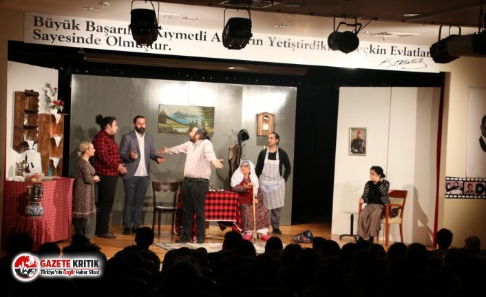 """""""Ocak"""" adlı tiyatro oyunu Kartal'da sahnelendi"""