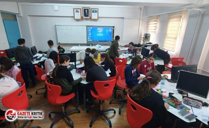 FOÇA'DA ORTAOKUL ÖĞRENCİLERİNE ROBOTİK KODLAMA SINIFI