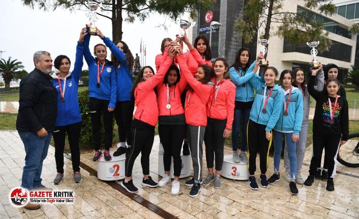 Konyaaltı Belediyesi Bisiklet Takımı, şampiyon oldu