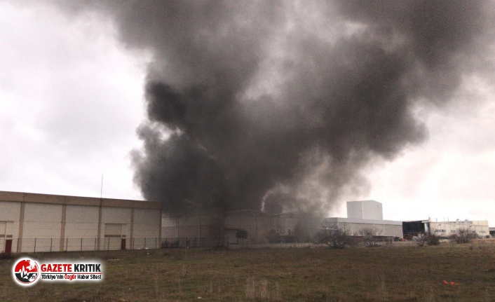 Manisa'da plastik oyuncak fabrikasında yangın