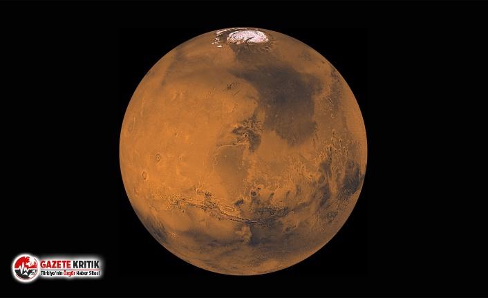 """""""Mars'ta koloniler olacak ama Mars'a 80 milyar insanı gönderemeyiz"""""""