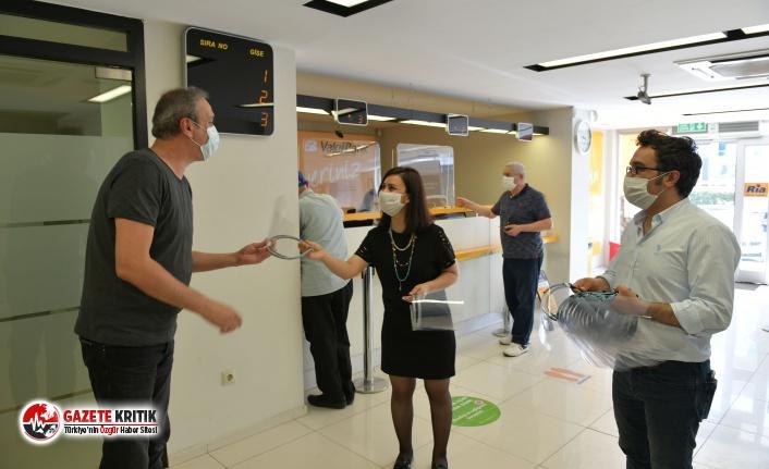 Çiğli Belediyesi'nden Esnaf ve Banka Çalışanlarına Siperlik