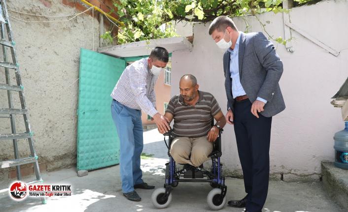 Başkan Ercengiz, engelli vatandaşa verdiği akülü araba sözünü tuttu