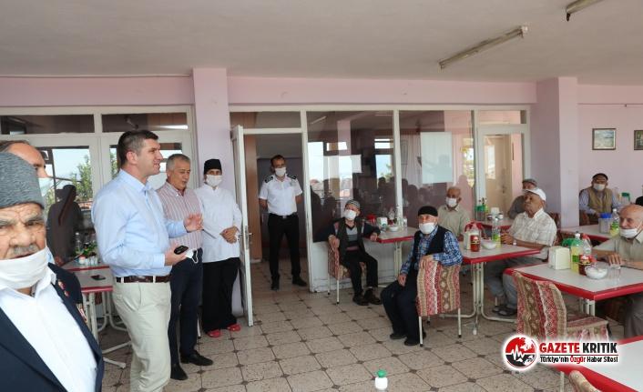Başkan Ercengiz, Huzurevi Sakinleri ile Bayramlaştı