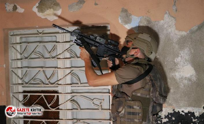 Adana'da suç şebekesine şafak operasyonu: Çok sayıda gözaltı var