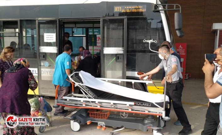 Fenalaşan yolcuyu halk otobüsüyle hastaneye ulaştırdı