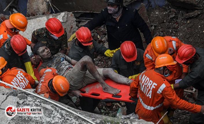 Hindistan'da bina çöktü: Çok sayıda ölü var